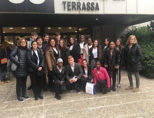 """Els alumnes de segon curs de Gestió Administrativa assisteixen a la fira d'empreses simulades """"EMPRESAULA"""""""