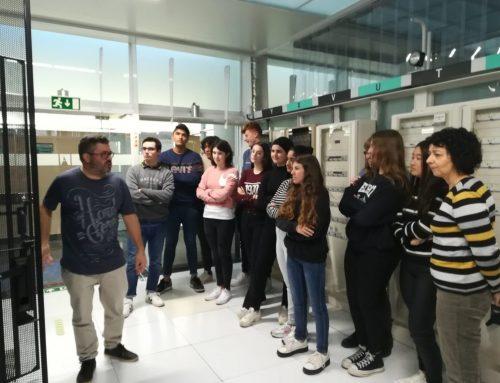 Els alumnes de Batxillerat Científic i Tecnològic visiten el PIC a la UAB