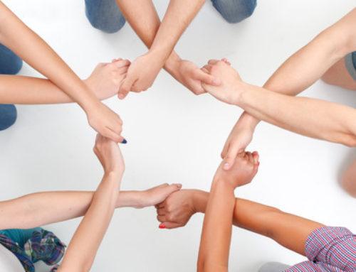 Activitat de Tutoria entre Iguals entre alumnes de 4t i 1r d'ESO